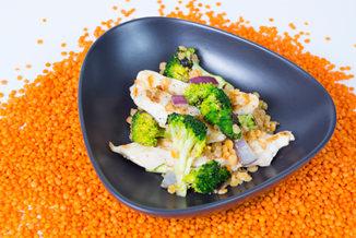 Hähnchen-Brokkoli-Linsen-Auflauf